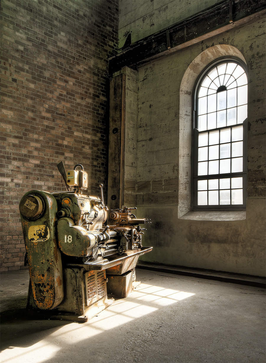 The Lonely Lathe HDR Tutorial