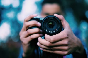 how to hold your camera, fingers